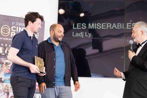 Remise du prix du meilleur film positif au film Les Misérables de Ladji Ly par Jacques Attali ©DR